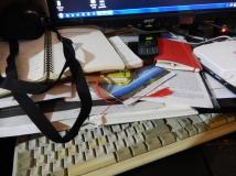 scrivania_disordinata1